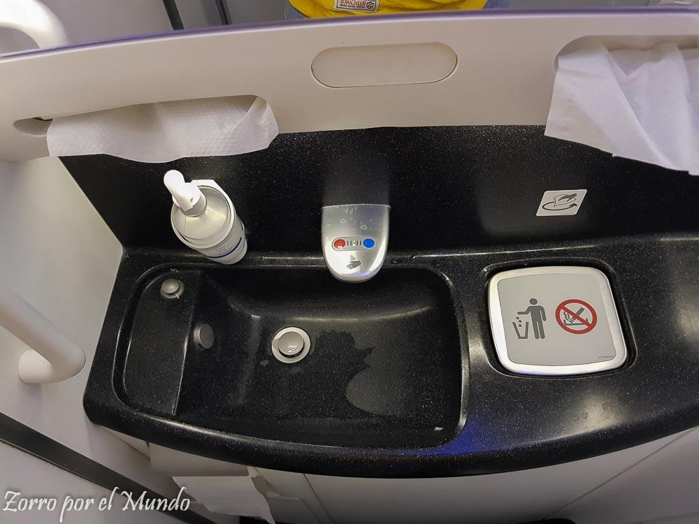 Baño Dreamliner Aeroméxico