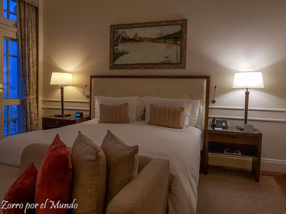 Copacabana palace Hotel vs. Airbnb