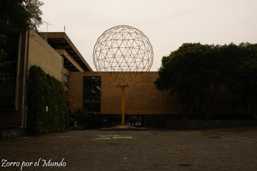 Lluvia en facultad de Arquitectura UNAM