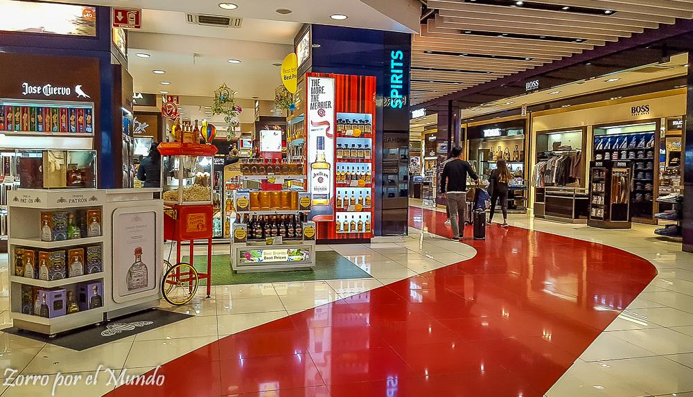 Vista de tienda en la Terminal 1