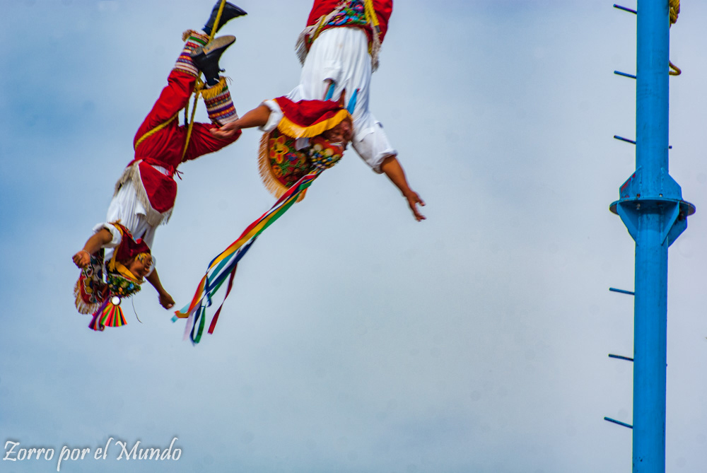 Voladores de Papantla en Tlayacapan