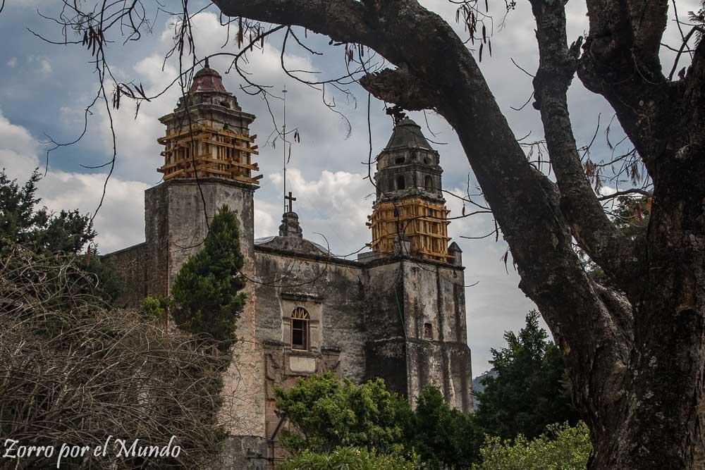 Iglesia en reparación
