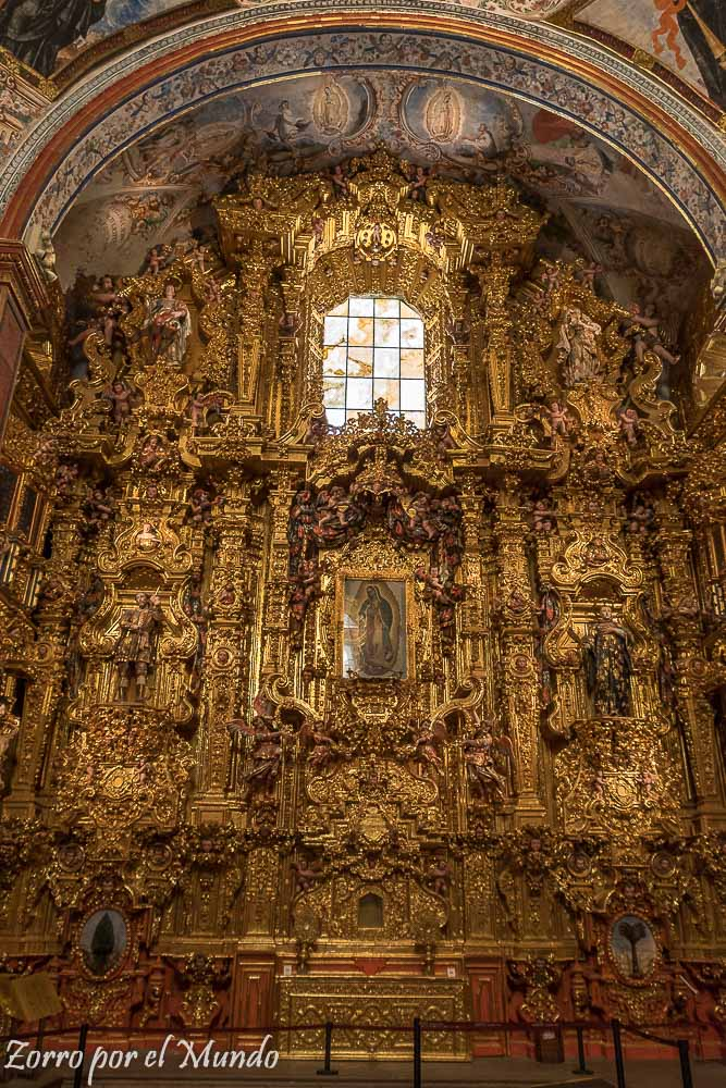 Más retablo de oro