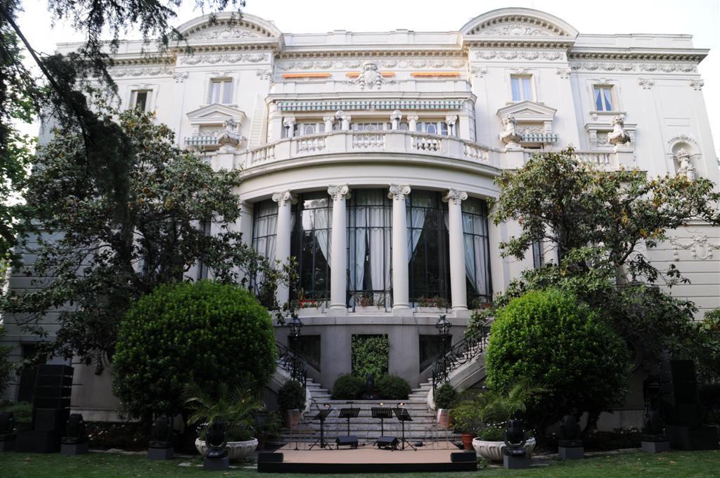 Embajadas y los viajeros
